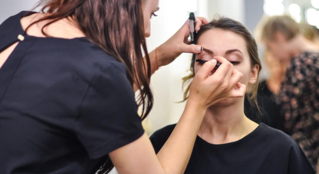 shkola-vizazhistov-make-up-school-moscow