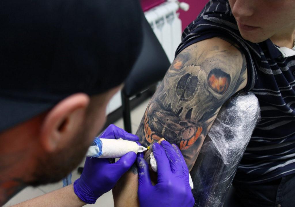 tatu-salon-hotline-tattoo-cao