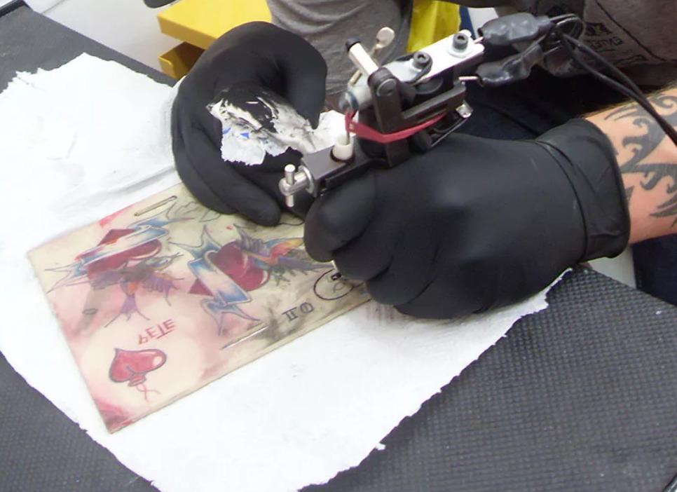 obuchenie-tatuirovke-v-classik-tattoo-cao